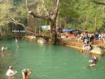 14 février : Tham Poukham Cave