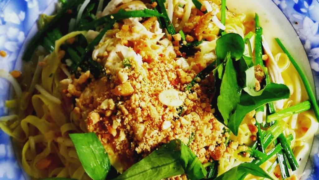 Coup de coeur : les fried noodles au poulet et cacahuètes