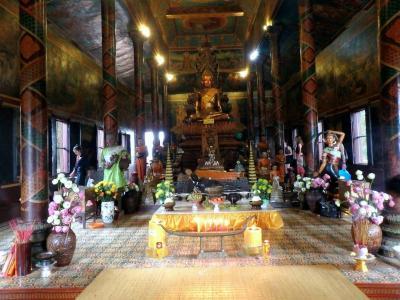 Wat Phnom : salle de prière
