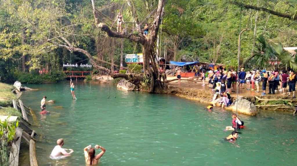 Blue Lagoon dans la région de Van Vieng
