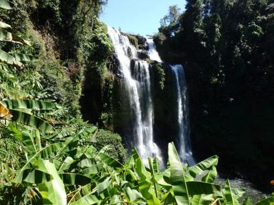 La majestueuse cascade de Tad Yuang