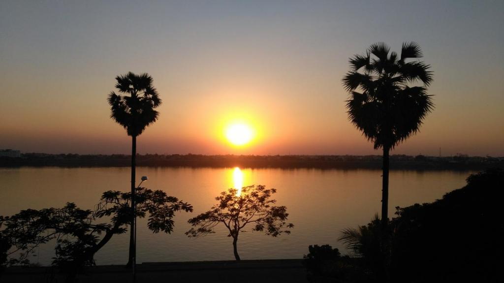 Coucher de soleil à Thakhek