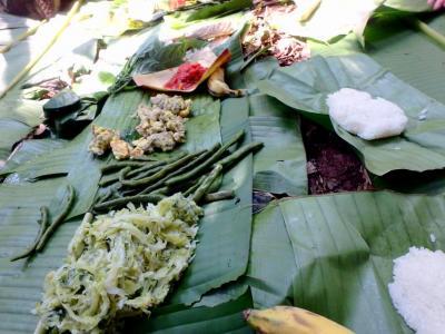 Stiky Rice sur feuilles de bananiers